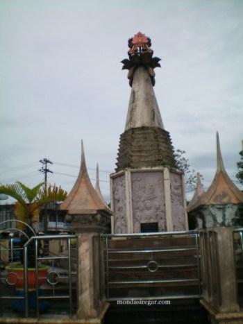 Monumen Polwan Bukittinggi