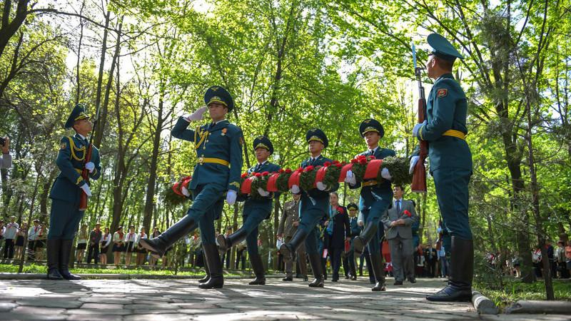 Chernobyl Liquidators memorial ceremony in Bishkek