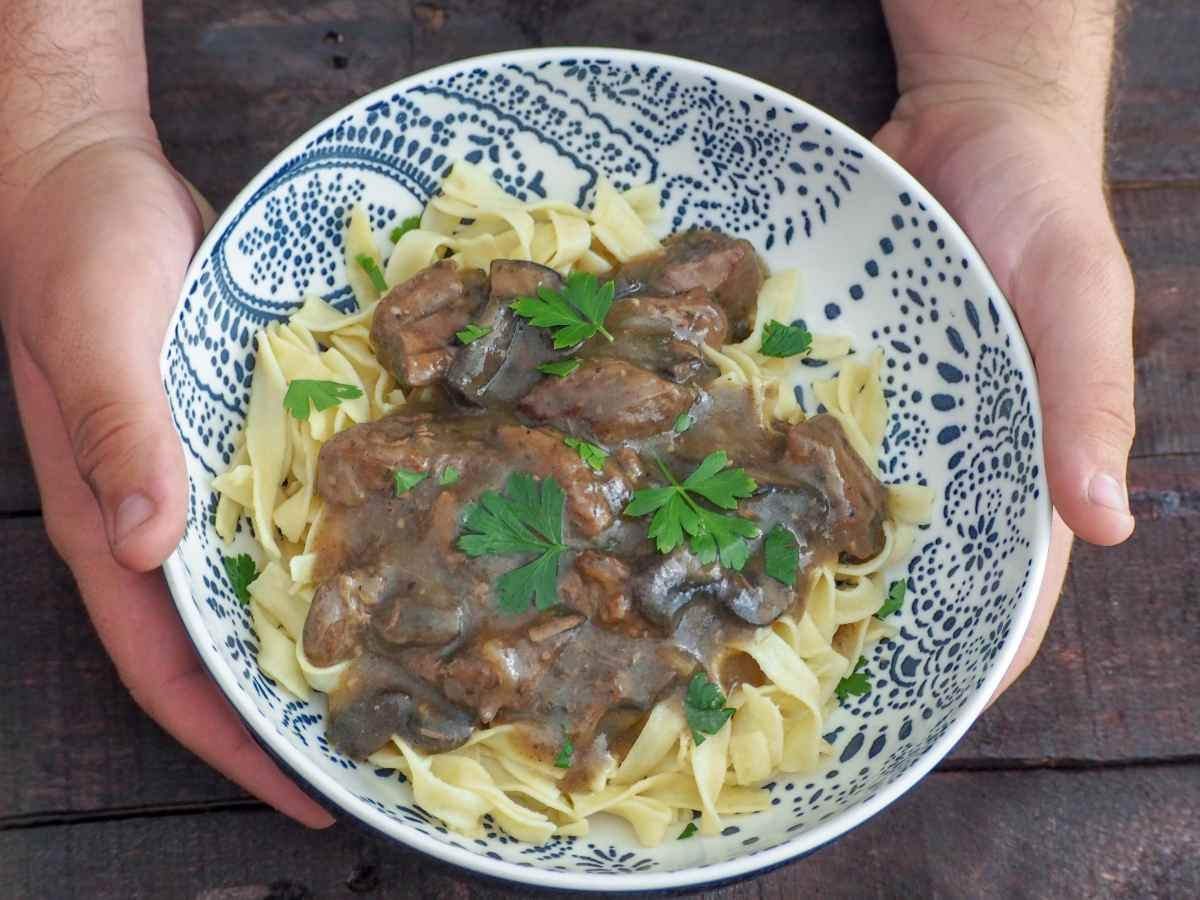 Instant Pot Sirloin Beef Tips with Mushroom Gravy
