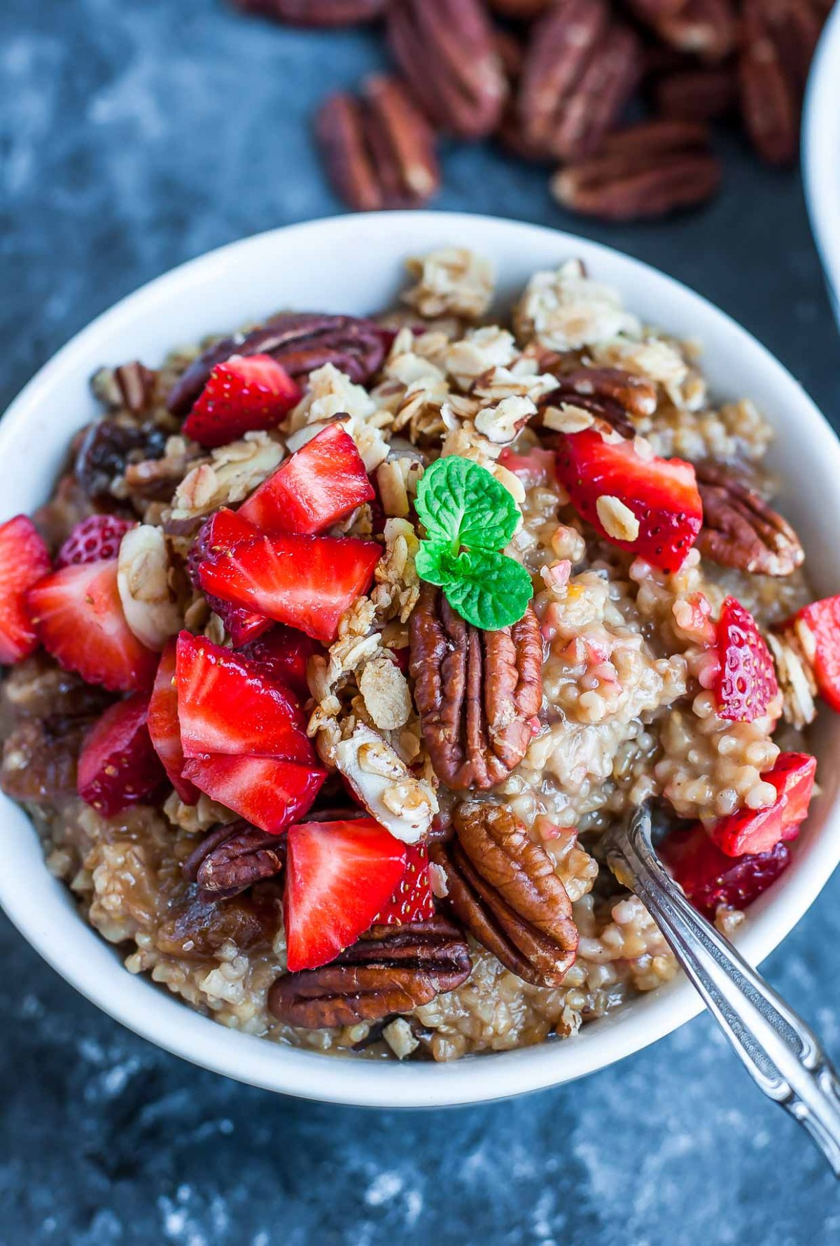 INSTANT POT STRAWBERRY TRAIL MIX OATMEAL