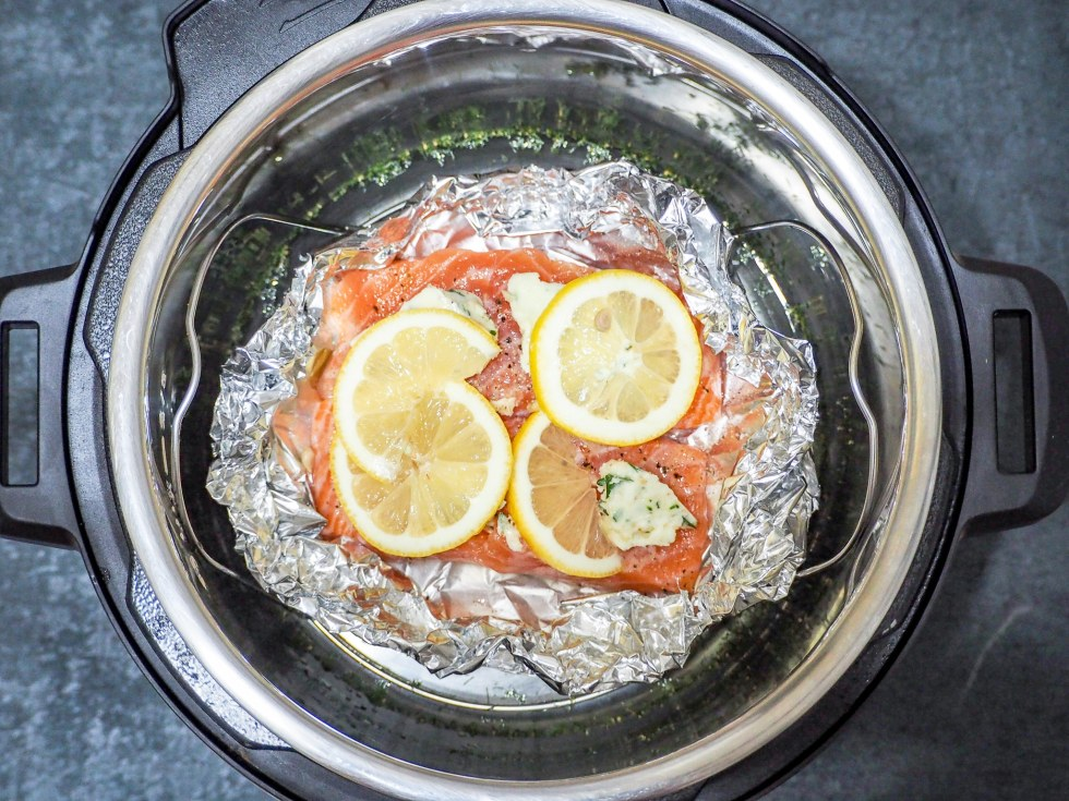 salmon in instant pot in foil with herbs and lemon slices