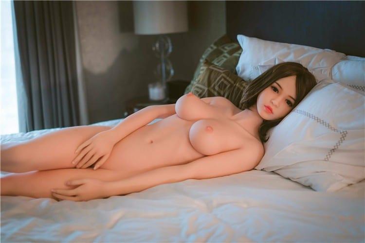 Georgie henley nude fakes