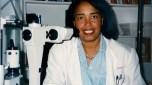 101. Patricia Bath, 73 anos, EUA, oftalmologista, inventou dispositivo laser para cirurgia de cataratas/Foto: Reprodução