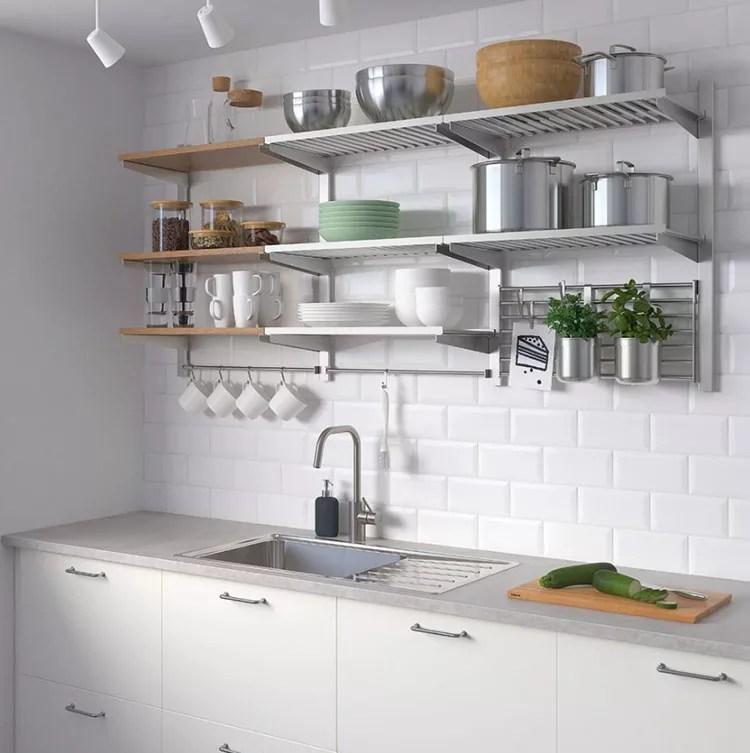 Componibile ma soprattutto piccola, è pensata per chi vive in un monolocale e per chi non abbia spazio,. 27 Idee Per Arredare Una Cucina Piccola Con Ikea Mondodesign It