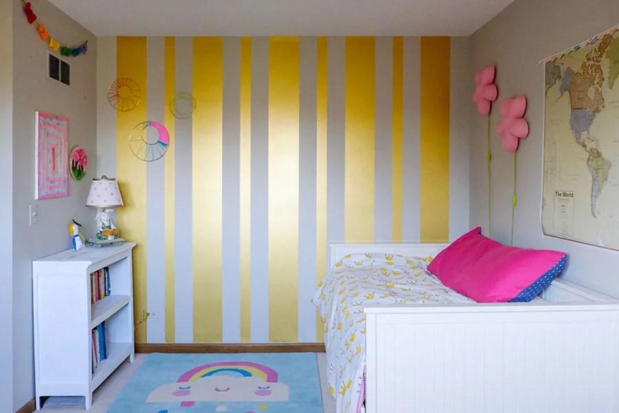 Colorare anche una sola parete di una stanza può produrre diversi effetti visivi. Pareti A Righe Verticali 25 Idee Da Copiare Per Decorare Gli Interni Mondodesign It