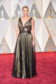 oscar-2017-charlize-theron-veste-dior-getty-images