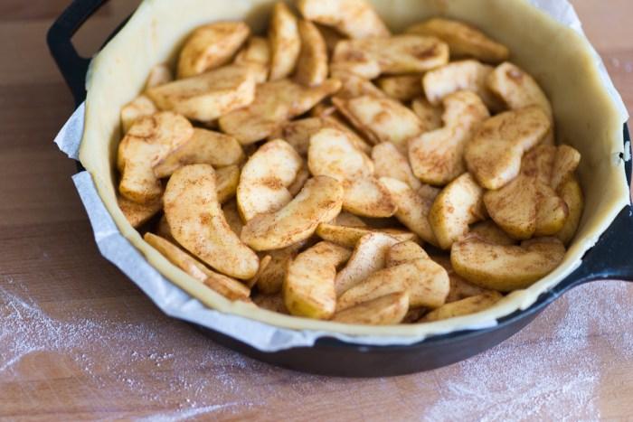 Marzipan-Apple-Pie-Mondomulia-4