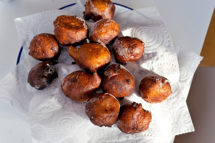 Castagnole-Ricotta-Fritters-3