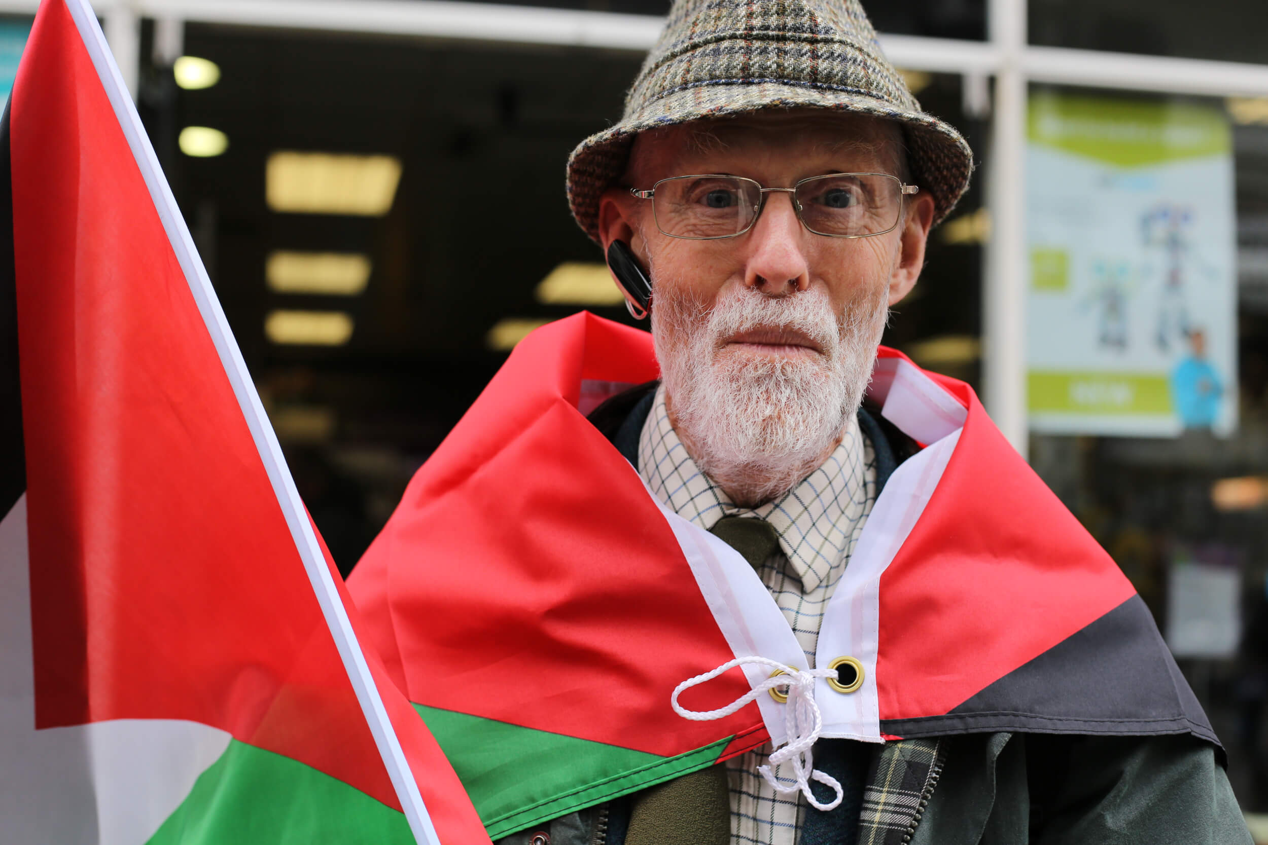 Two flags are better than one. Support for Palestine is growing among all sectors of society in the UK. (Photo: Sara Anna)