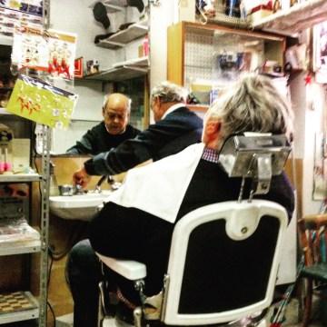 Shaky handed barber, Sant'Agata di Puglia