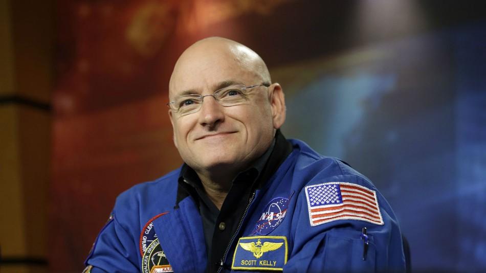 Obama to astronaut Scott Kelly: 'Make sure to Instagram ...