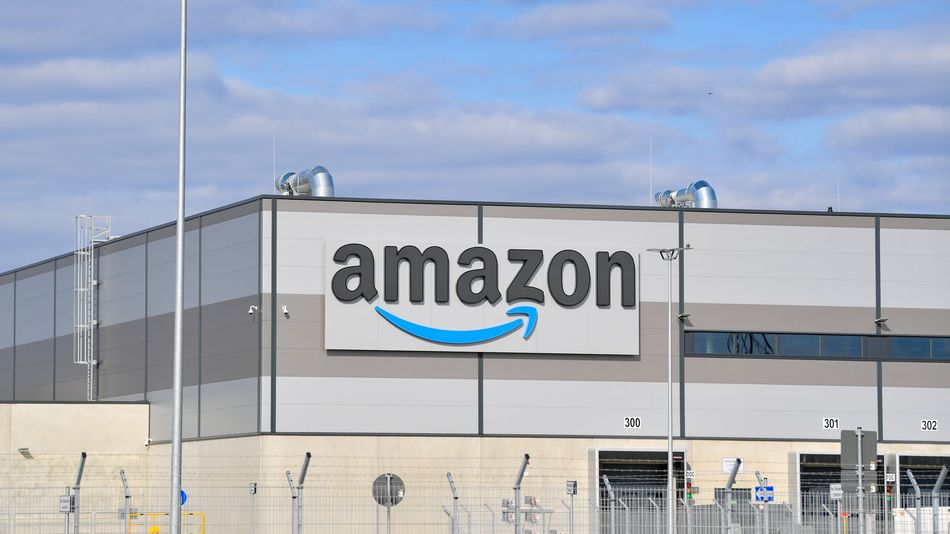 Amazon scans warehouse workers for fevers using thermal cameras