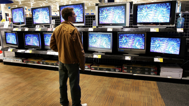 Smart TVs are coming for Roku. Here's why that's a bad thing.