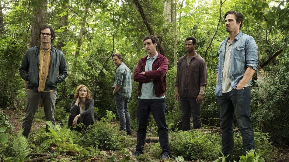 Los perdedores adultos: Richie (Bill Hader), Bev (Jessica Chastain), Bill (James McAvoy), Eddie (James Ransone), Mike (Isaiah Mustafa) y Ben (Jay Ryan).