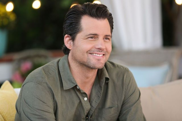 Kristoffer Polaha plays