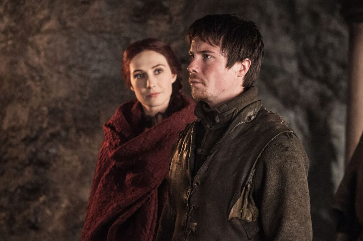 Melisandre looks hungrily at Gendry's royal blood.