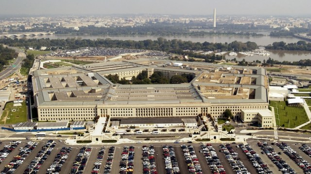 The Pentagon will award its $10 billion JEDI contract to either Microsoft or Amazon later this year.