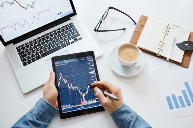 C:\Users\Kathir\Documents\5 Day Trading Strategies and Tips That Will Help You Make a Profit.jpg