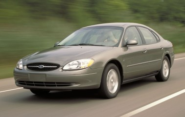ford taurus pic