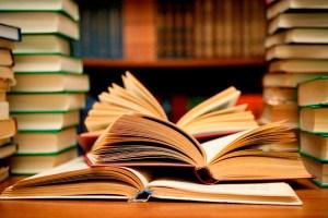 9 полезных книг по переговорам и чёрной риторике!