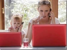 Top 3 All-Time Easiest and Highest Paid Jobs for Homemakers & Moms on Internet