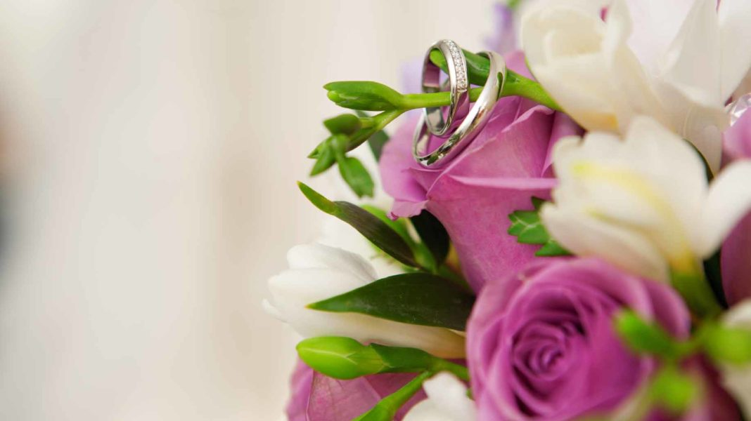 10 Ways To Get Cheap Wedding Flowers For Any Budget