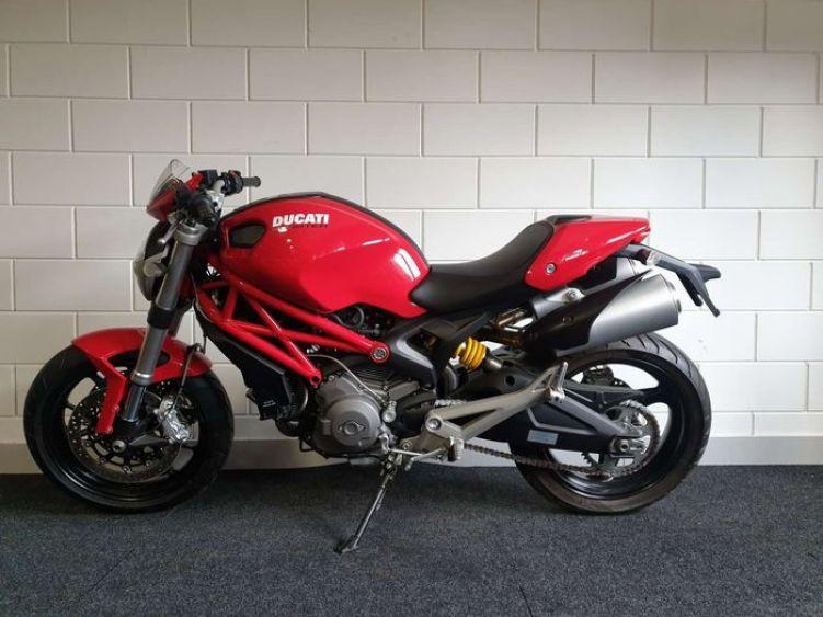 Ducati Monster 696 4