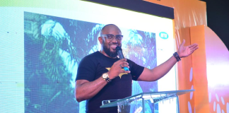 Life Coach and Business Strategist, Steve Harris, speaking during the MTN Pulse Series of the MTN Pulse Campus Invasion held in Delta State recently