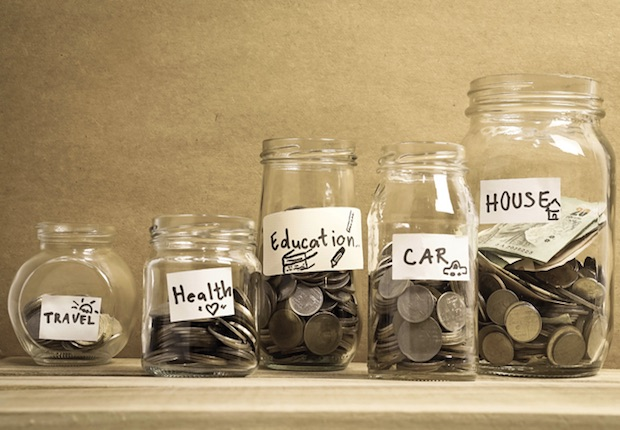 Personal Loans or Personal Savings : Which one to choose during an emergency?
