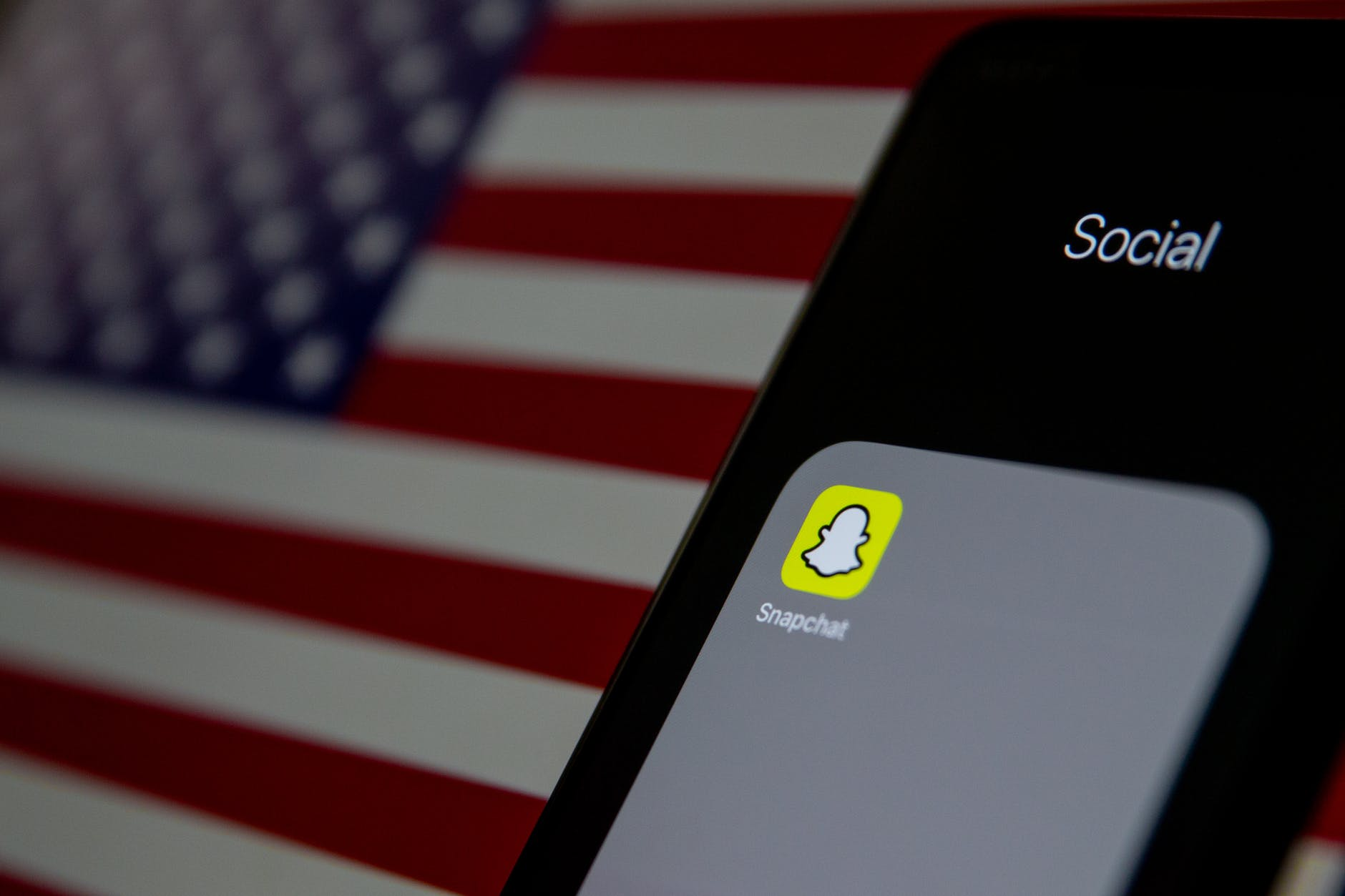 Snap Inc (SNAP) beats earnings expectations, shares up 34%