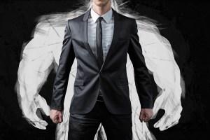 Pick Advisor Avoid Overconfidence