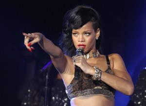 How much money win Grammy Rihanna