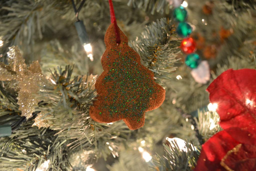 Homemade Cinnamon Christmas Ornaments