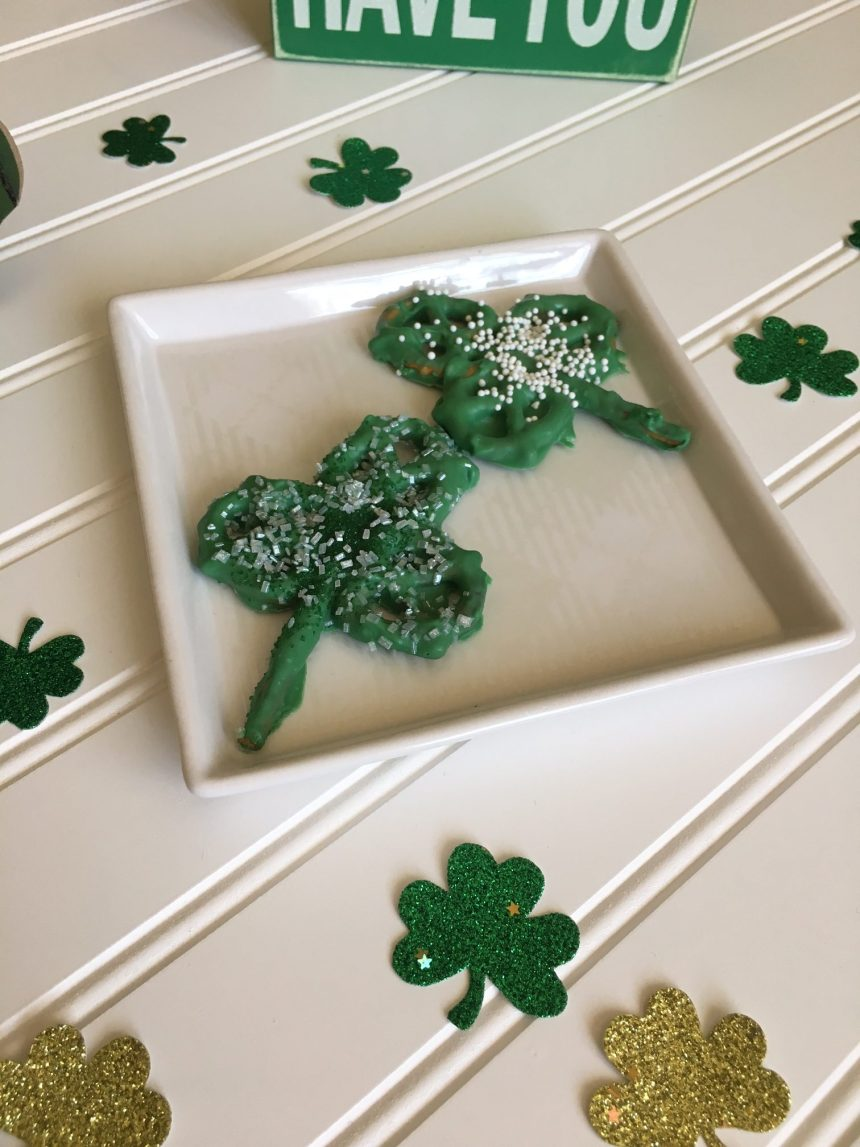 Chocolate Covered Pretzel Shamrock // Money Savvy Living