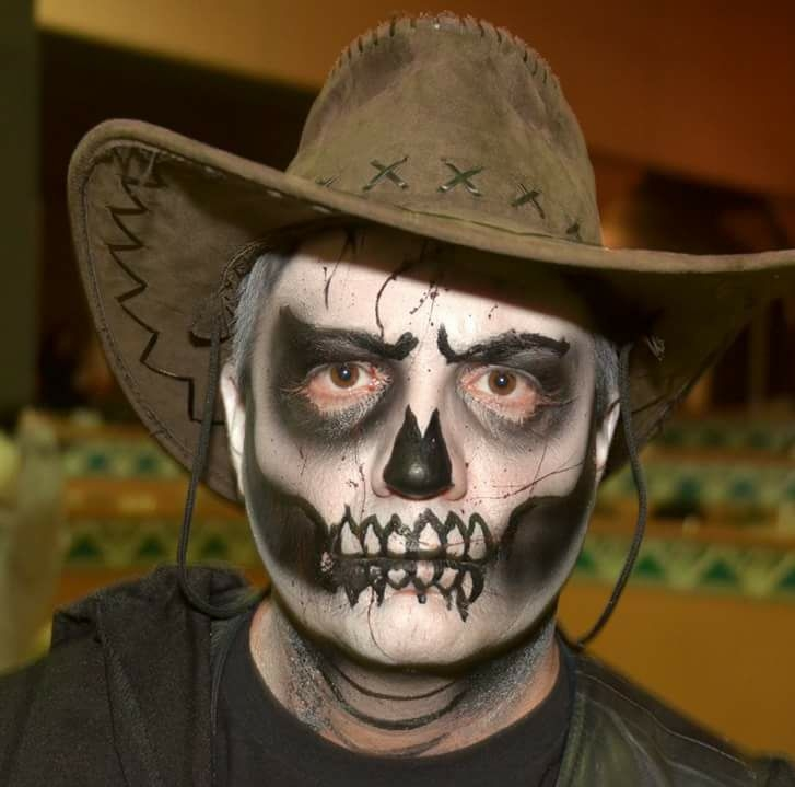 Your family will love these haunted and not-so-scary Halloween activities! Halloween Fun for the Whole Family! #Halloweekends #CedarPoint #GhostlyManor #Sandusky #LakeErieLove #shoresandislands #halloween #familyfun