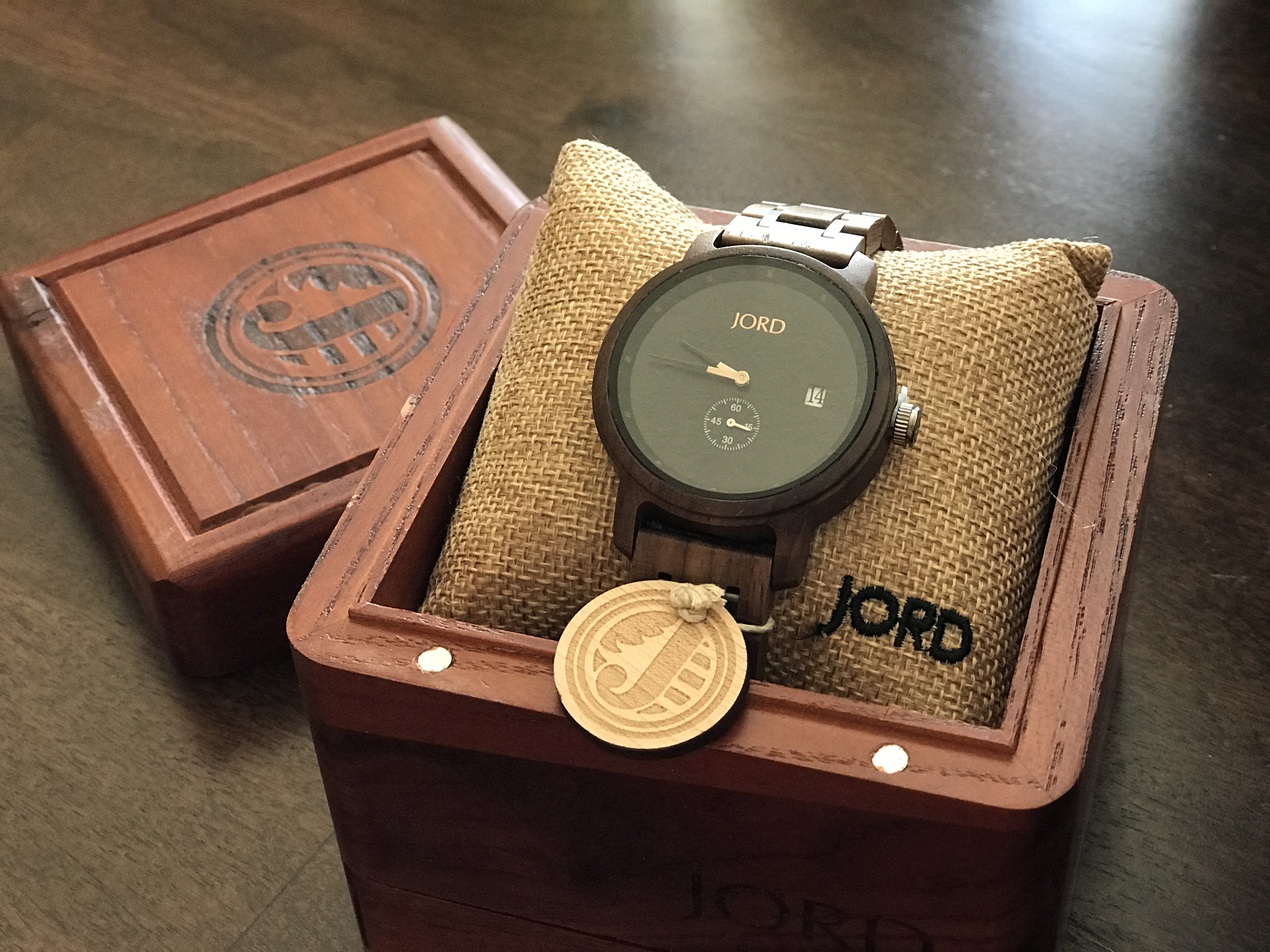 Looking for a unique Christmas gift? A Jord Wood Watch may just be the perfect Christmas gift! #Jord #woodwatches #giveaway #Christmasgiftidea #giftidea