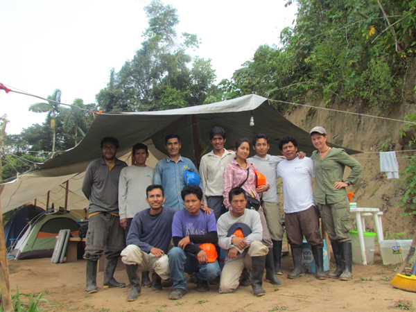 The canopy bridge research team this past October.  Photo credit: Smithsonian Conservation Biology Institute.