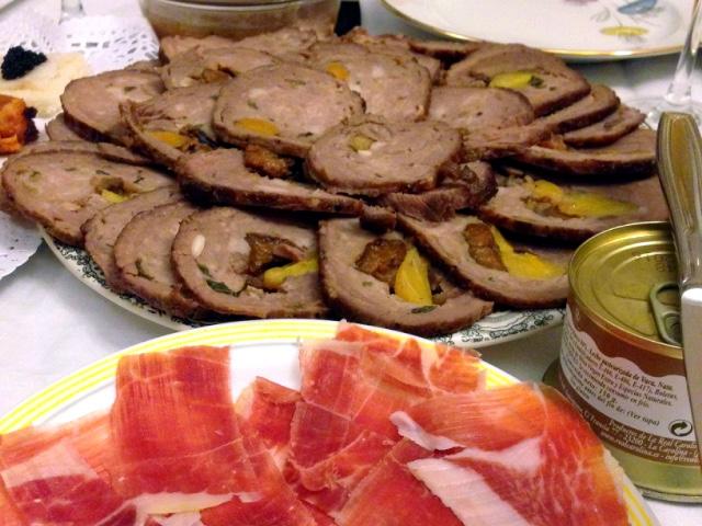 スペインのクリスマスの食事の肉
