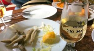 ヘレスの『タバンコ・ラス・バンデリージャス』でシェリー酒とタパスを楽しむ
