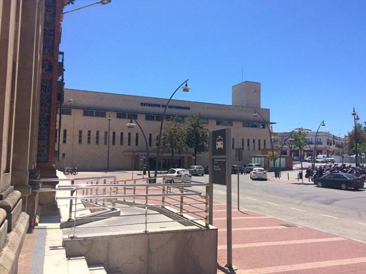 ヘレスの鉄道駅とバスターミナル