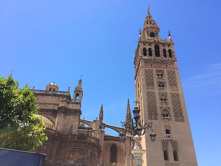 セビリア大聖堂とヒラルダの塔