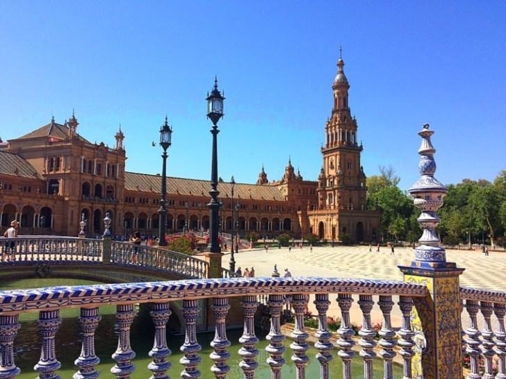 セビリアのスペイン広場を観光