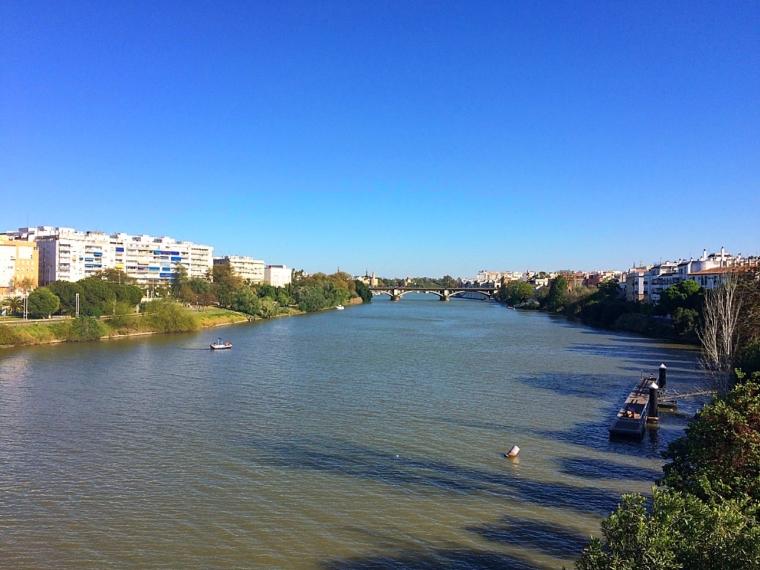 セビリアのグアダルキビル川