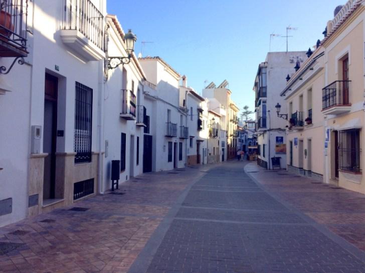 スペインアンダルシア地方のネルハの白い村