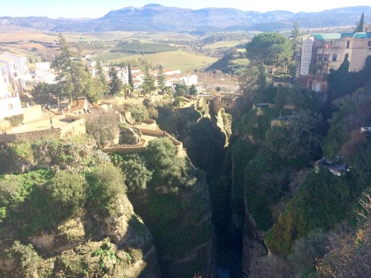 スペインの崖の町ロンダ
