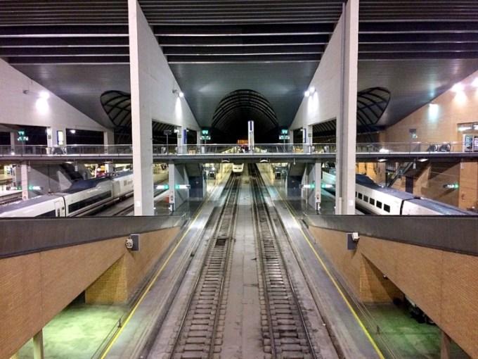スペインの鉄道RENFEのサンタフスタ駅