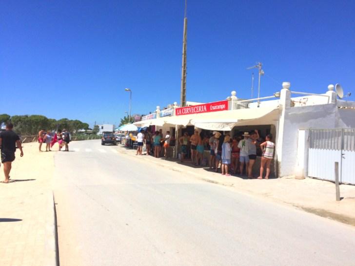 スペインのエル・パルマルのビーチのバル