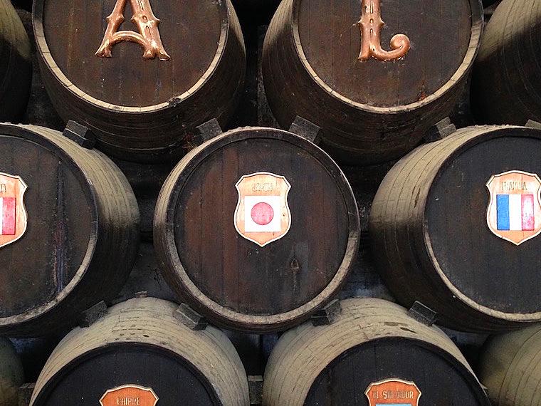 ヘレスのシェリー酒のボデガの日本の樽