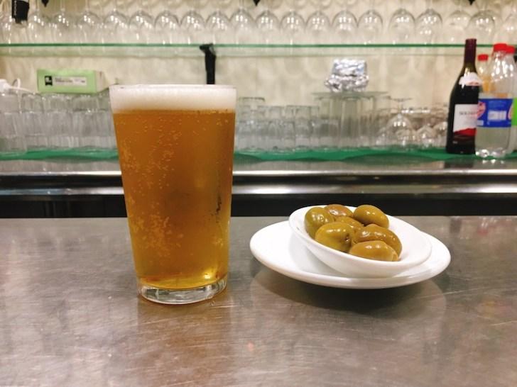 セビリアのバル「kiko de la chali」のビール