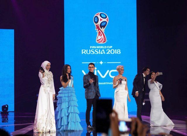 Bertekad untuk terus menjadi smartphone terfavorit bagi para konsumen, dalam malam peluncuran Vivo V7+ di Indonesia, Vivo Smartphone juga menunjukkan bahwa Vivo menjadi smartphone resmi yang mendukung FIFA World Cup 2018 di Rusia.
